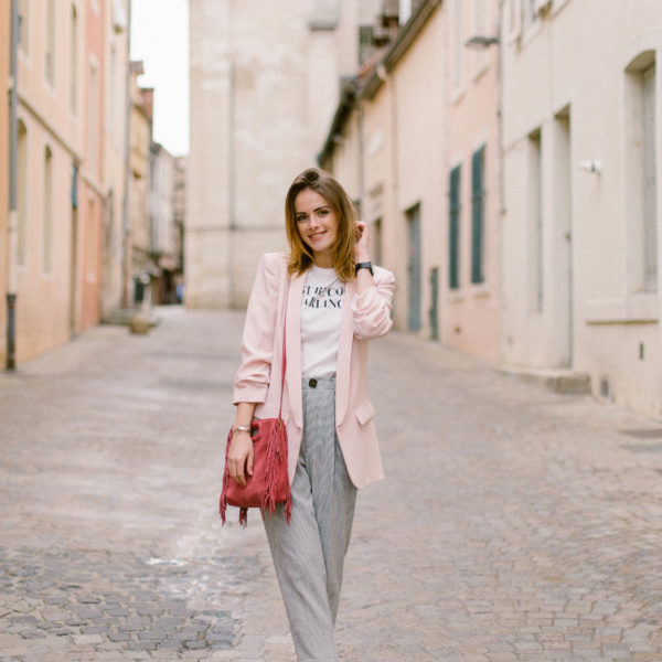 How To Look Modern And Feminine?