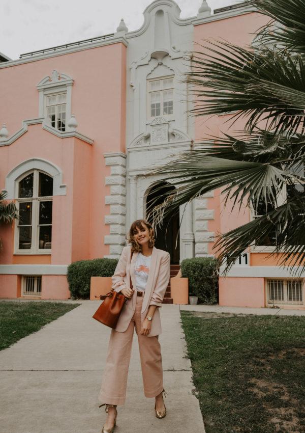 Le Pantalon Rose Poudré – Recette Pour Une Tenue Printanière